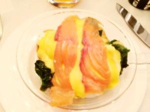 Huevos benedict con salmón ahumado